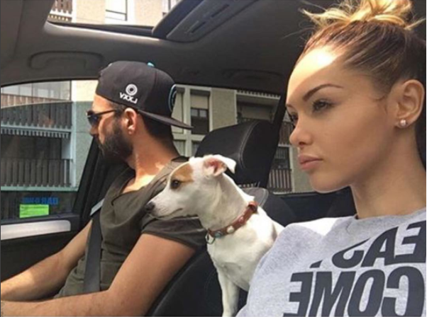 Photos : Mais à qui appartient cette pauvre chienne manucurée ?