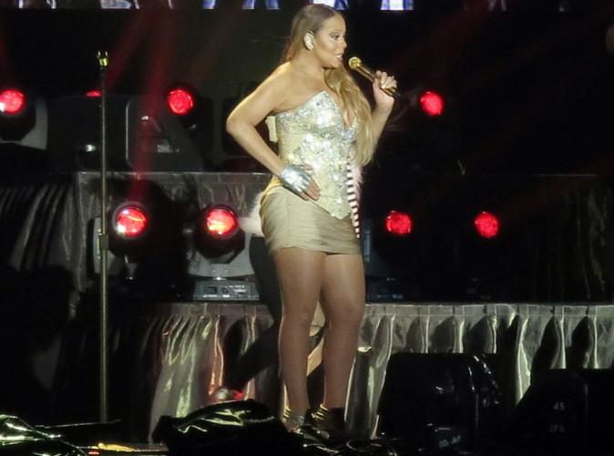 Mariah Carey : au secours la mini-robe sur scène !