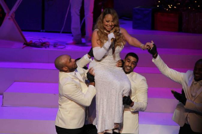 Mariah Carey : en tenue de scène, elle fait fondre la glace hivernale !
