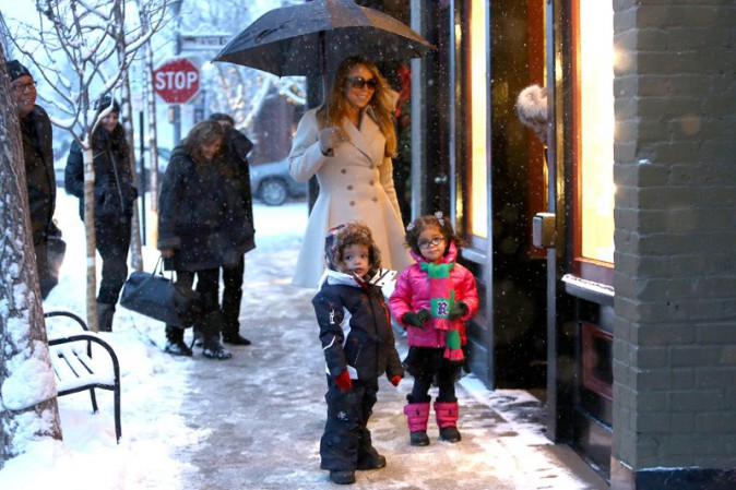 Mariah Carey à Aspen avec ses jumeaux Monroe et Moroccan le 20 décembre 2013