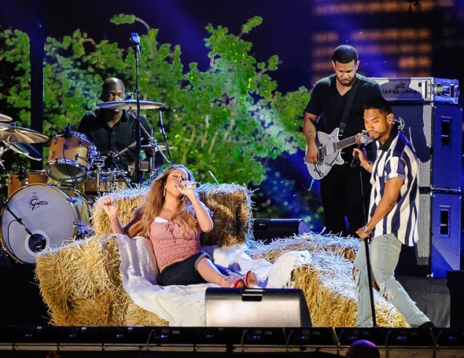 """Mariah Carey et Miguel aux répétitions du concert """"Macy's Fourth of July Fireworks Spectacular"""" à New York, le 3 juillet 2013."""