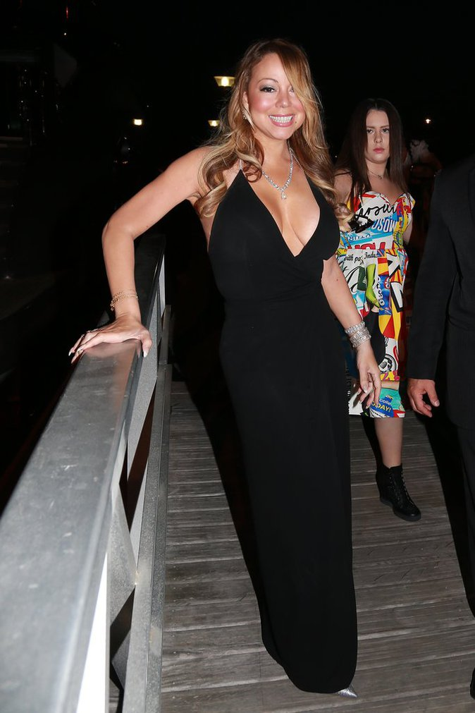 Mariah Carey a opté pour la robe maxi décolleté