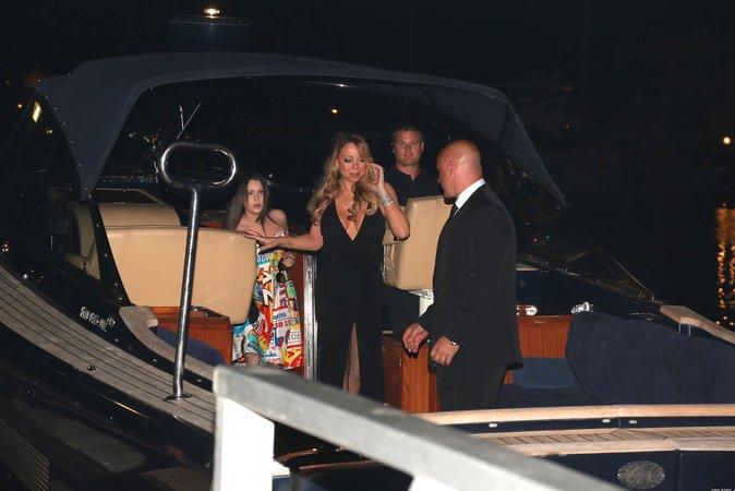 Mariah Carey est arrivée au gala en bateau