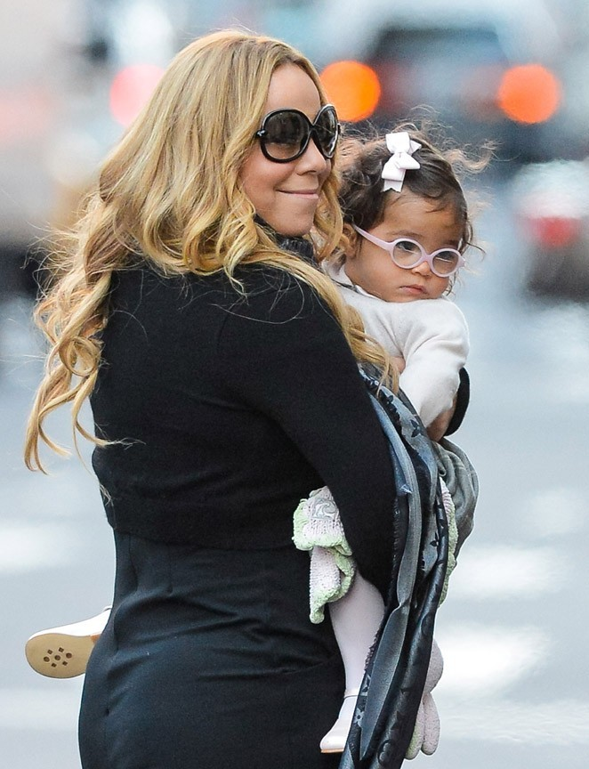 Mariah Carey à New-York avec sa fille Monroe le 22 octobre 2012