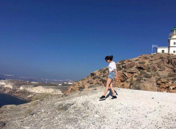 Marina Kaye est en vacances en Corse