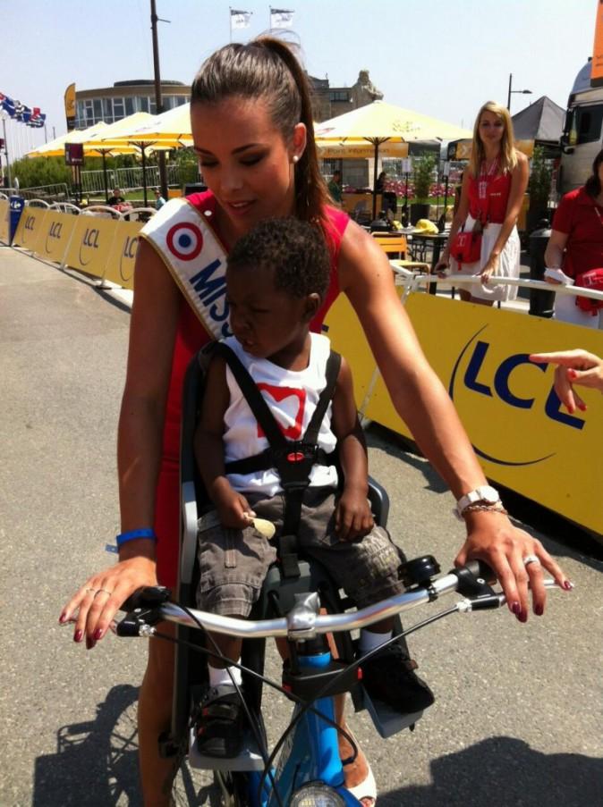 Marine Lorphelin (Miss France 2013) à Saint-Malo le 9 juillet 2013 pour le Tour de France