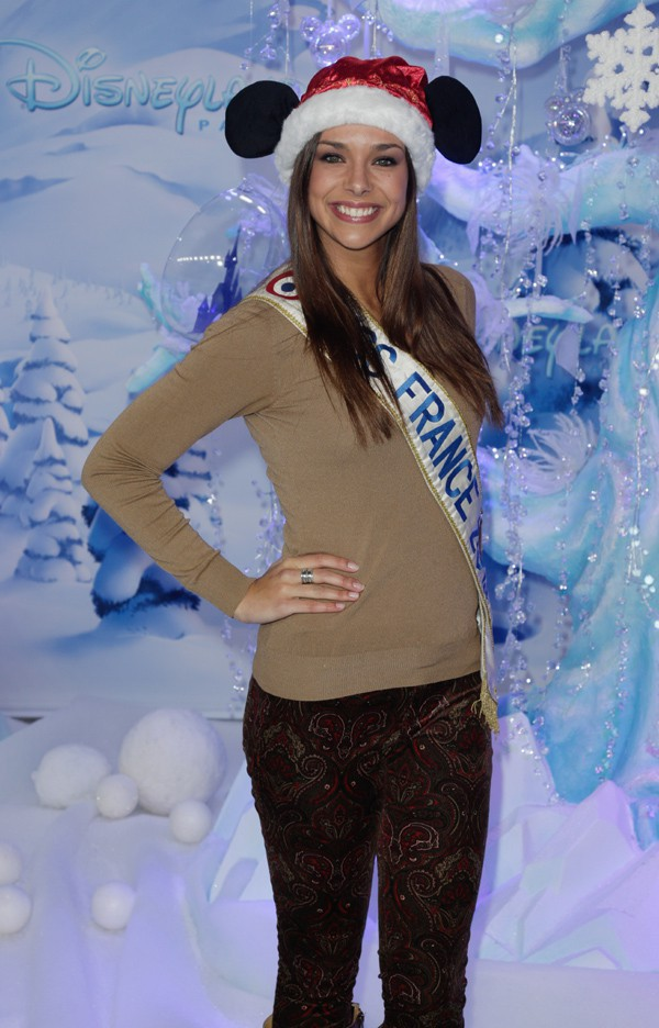 Marine Lorphelin (Miss France 2013) à Disneyland Paris le 9 novembre 2013