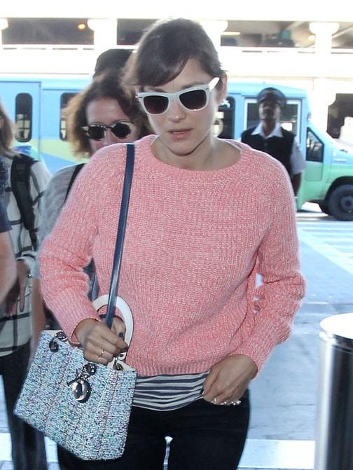 Marion Cotillard à l'aéroport de Los Angeles le 16 janvier 2015