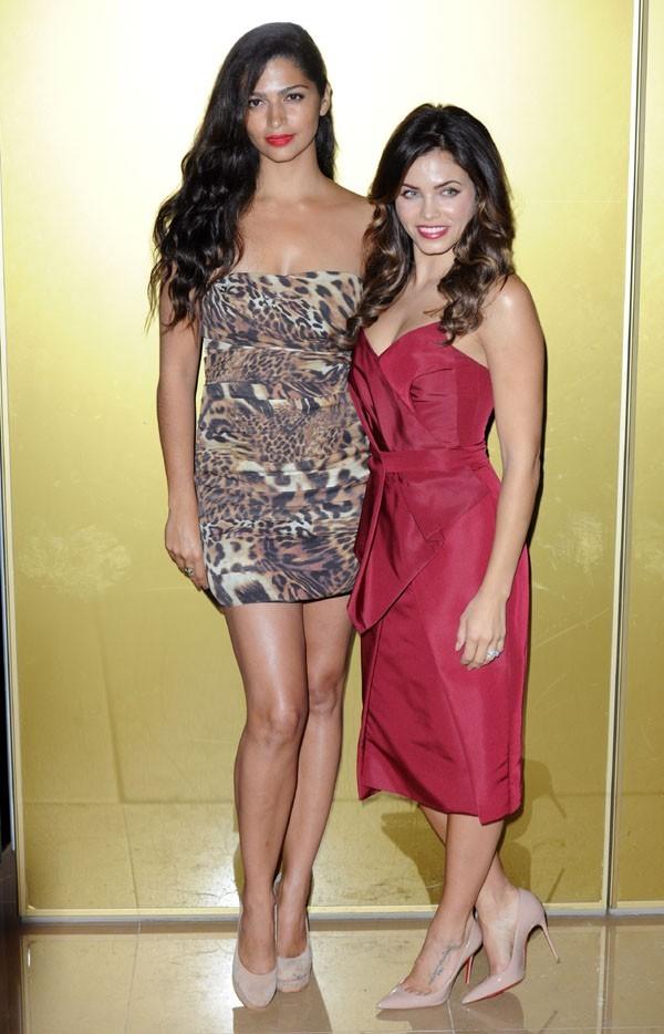 Camila Alves et Jenna Dewan à la présentation de Magic Mike à Londres le 10 juillet 2012