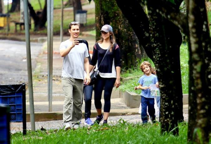 Matthew McConaughey avec sa famille au zoo de Belo Horizonte le 29 décembre 2013