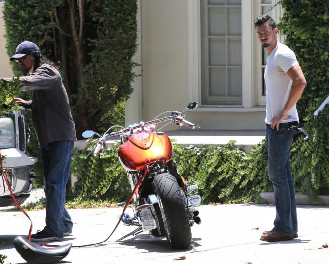 Matthew Paetz devant la maison de Lea Michelle à Los Angeles, le mardi 8 juillet 2014