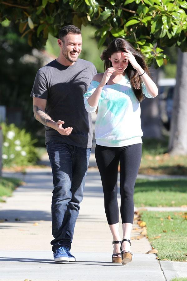 Megan Fox en balade avec Brian Austin Green à Los Angeles le 8 juin 2012