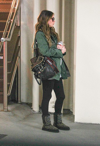 Megan Fox en famille à Los Angeles le 26 novembre 2013