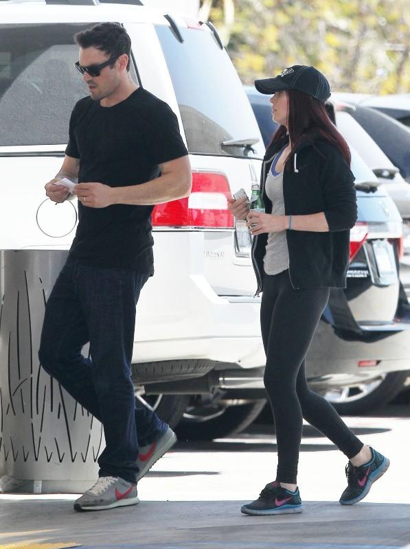 Megan Fox en mode no look avec son mari