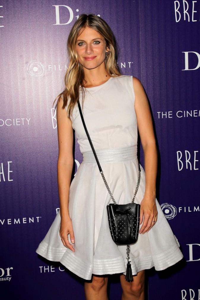 Mélanie Laurent, radieuse pour présenter son film Respire aux Américains !
