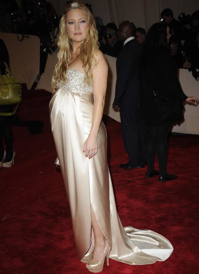 La fiancée du chanteur de Muse est bien enceinte !