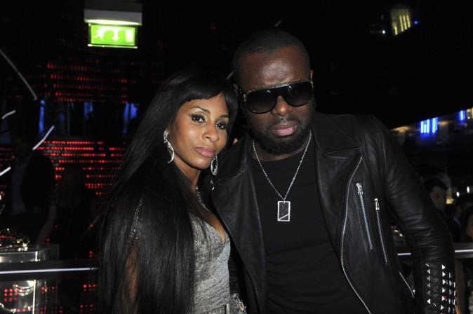 Mia Frye avec Maître Gims au VIP Room pour la soirée d'Edouard Nahum à Paris le 4 décembre 2012