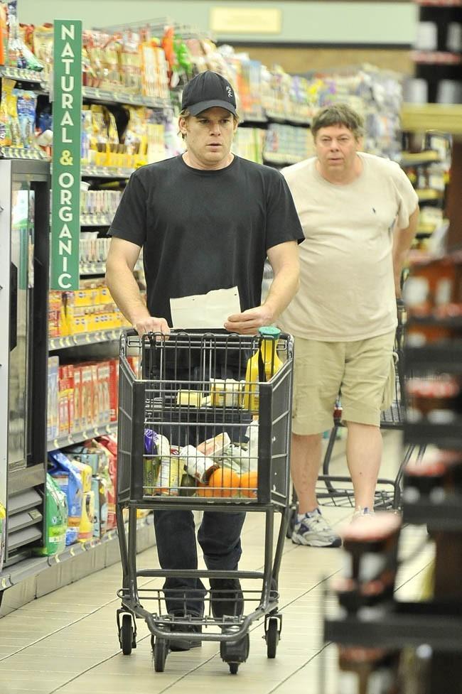 Michael C. Hall dans un supermarché de Los Angeles le 4 février 2013