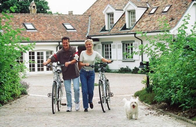 Michael Schumacher et son épouse Corinna partagent la même passion pour le vélo !