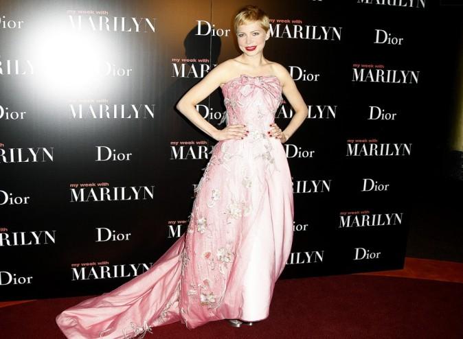 En robe haute-couture pour l'occasion...