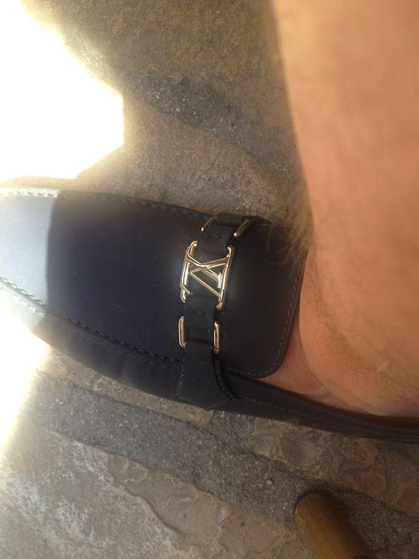 Les chaussures Vuitton...
