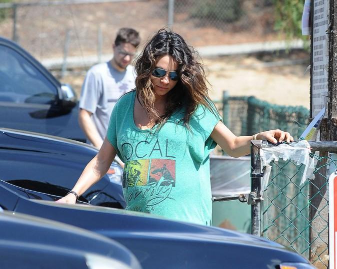 Mila Kunis : enceinte jusqu'aux oreilles, elle devrait bientôt accoucher !