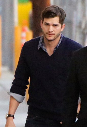 Ashton Kutcher à Los Angeles le 5 février 2014