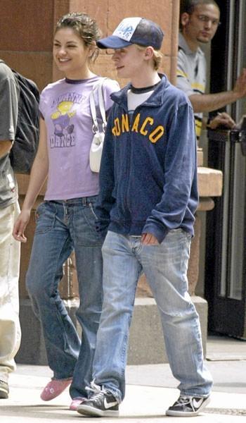 Photos : Mila Kunis en couple avec Macaulay Culkin en 2004