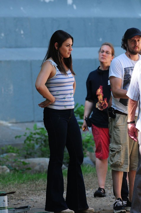 Mila Kunis sur le tournage de Blood Ties à New-York !