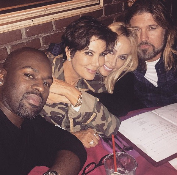 Ses parents copinent avec Kris Jenner et son toyboy !