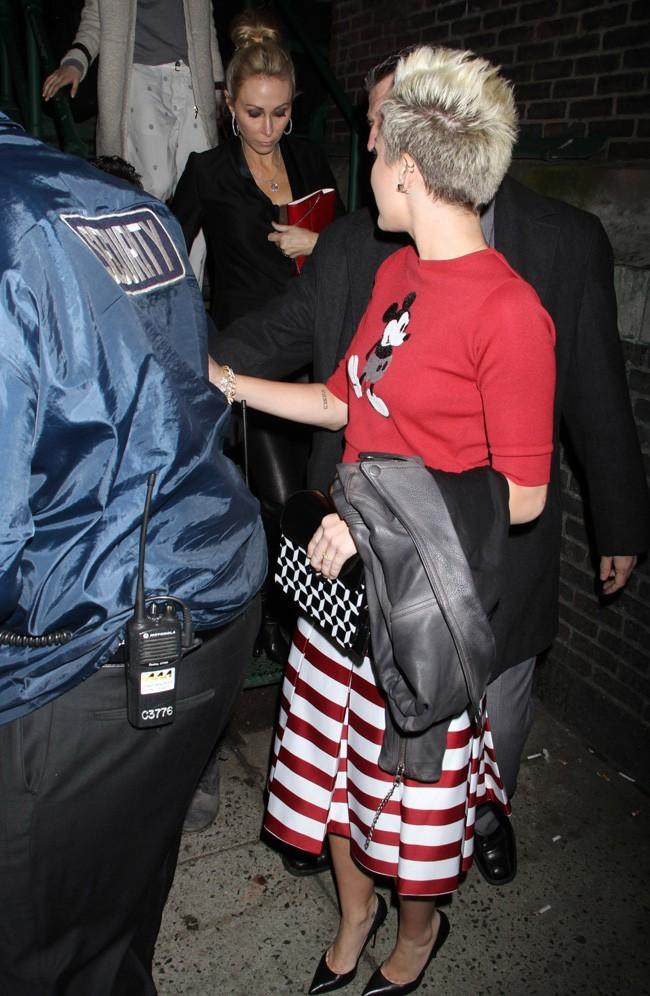 Miley Cyrus à la sortie du défilé Marc Jacobs à New-York le 14 février 2013
