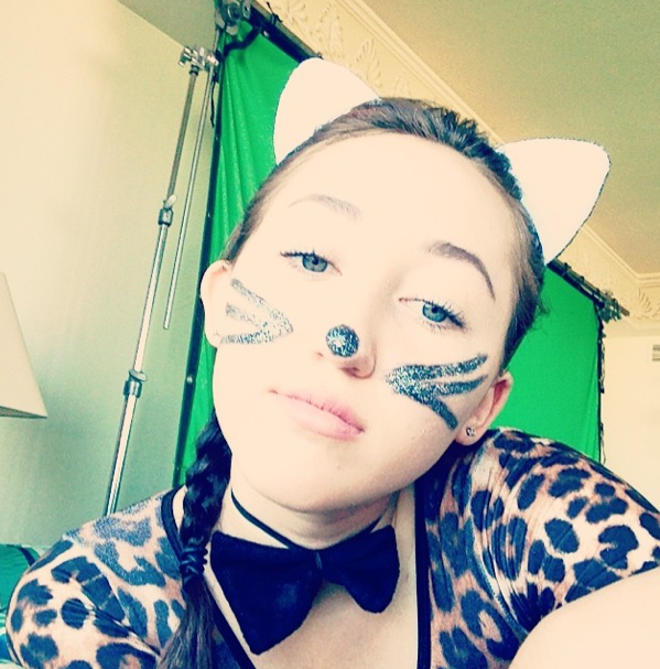 Photos : Miley Cyrus : elle peut compter sur sa soeur Noah pour prendre la rélève du grand n'importe quoi !