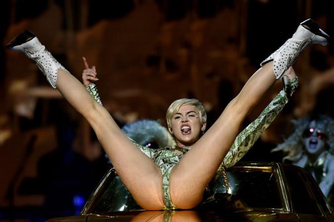 Miley Cyrus en concert à Montpellier le 23 mai 2014