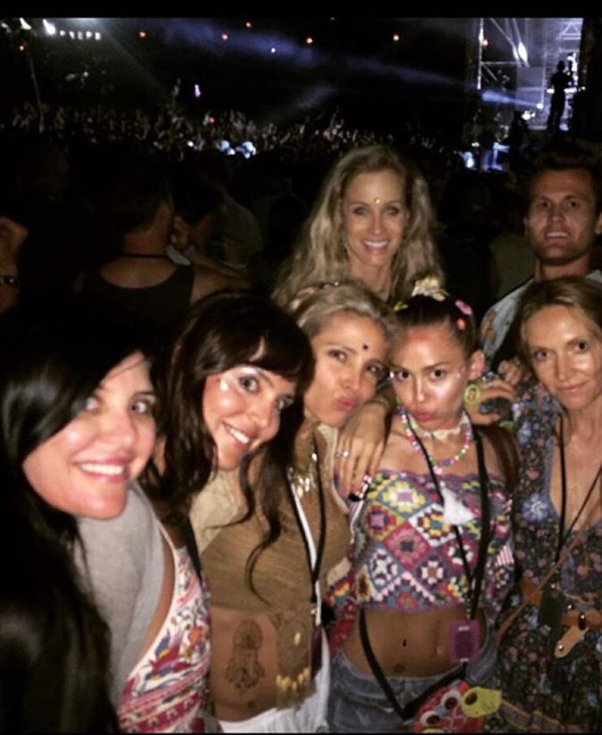 Photos : Miley Cyrus et Elsa Pataky : des belles soeurs très proche...