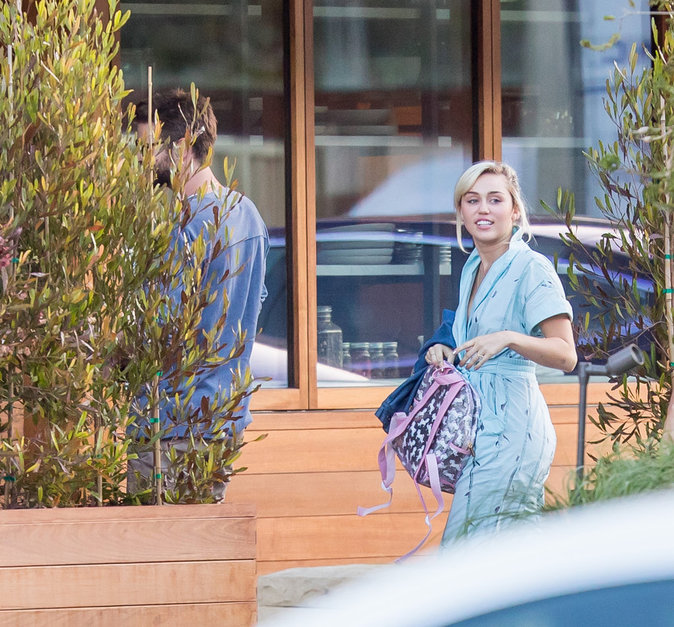 Miley Cyrus semble très épanouie