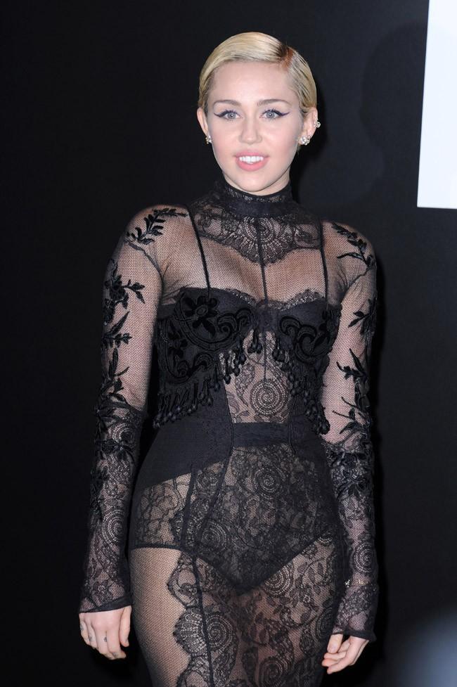 Miley Cyrus à Los Angeles le 20 février 2015