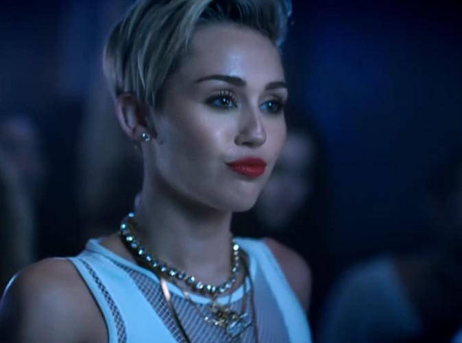 Miley Cyrus dans une nouvelle vidéo pour les VMA 2013 !