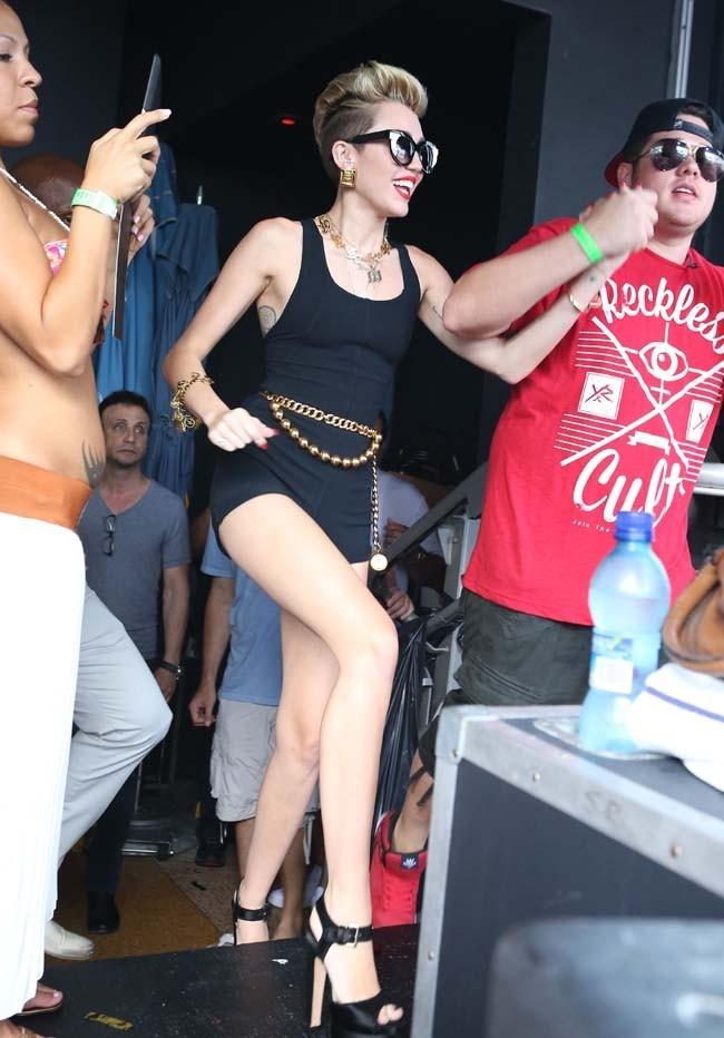 Miley Cyrus en showcase à Miami le 28 juin 2013