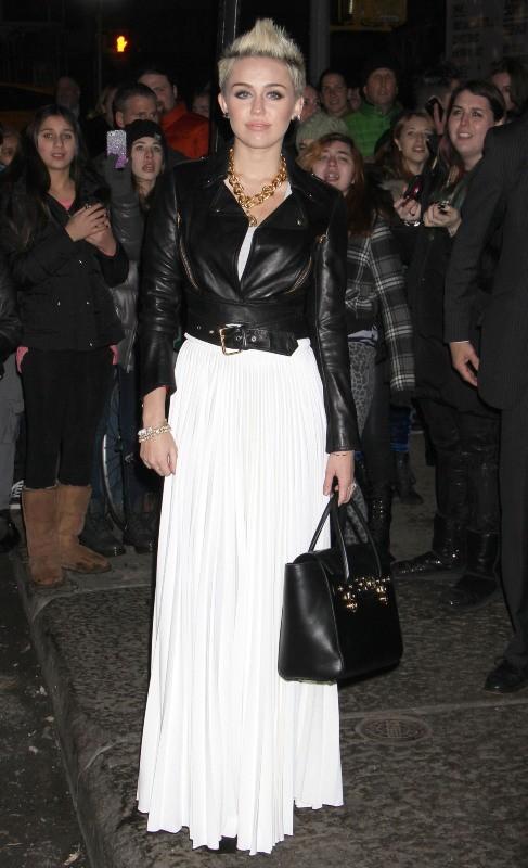 Miley Cyrus arrive au restaurant Acme à New York, le 13 février 2013.
