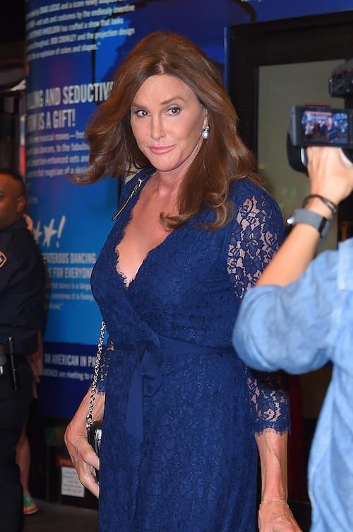 Photos : Mini jupe, talons, dentelle et paillettes, Caitlyn Jenner s'en donne à cœur joie !