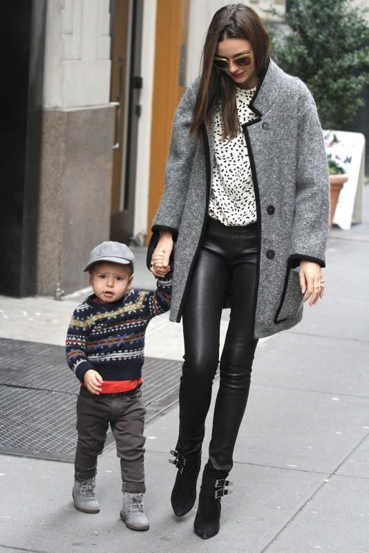 Miranda Kerr et son fils Flynn à New York, le 29 novembre 2012.