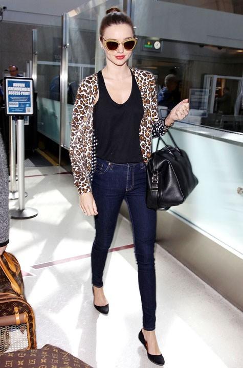 Miranda Kerr à l'aéroport de Los Angeles le 1er mars 2013