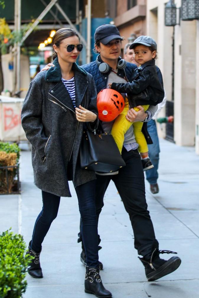 Miranda Kerr en famille à New York, le 28 octobre 2013.