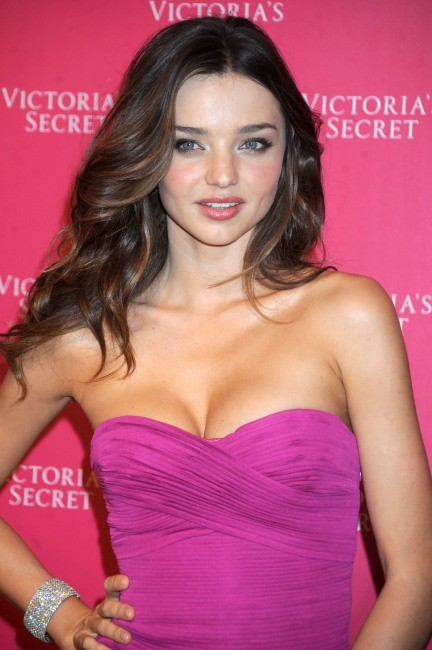 photos miranda kerr l 39 ange de victoria 39 s secret f te ses 29 ans. Black Bedroom Furniture Sets. Home Design Ideas
