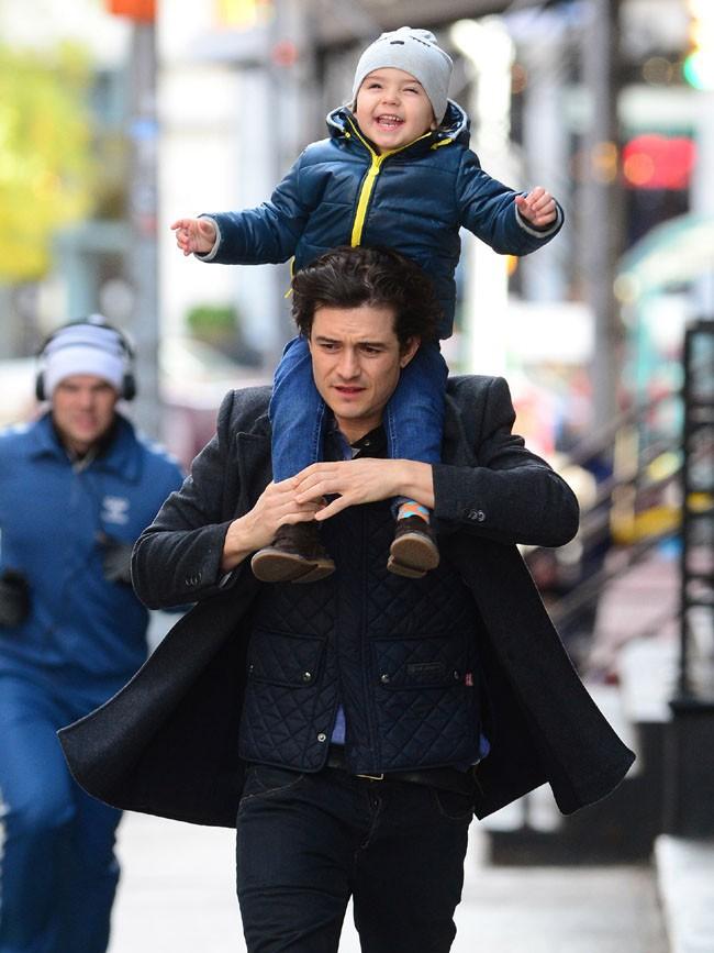 Orlando Bloom et Flynn à New-York le 23 novembre 2013