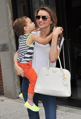 Miranda Kerr et son fils Flynn à New-York le 31 juillet 2013
