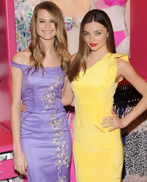 Miranda Kerr dans une boutique Victoria's Secret de New-York le 26 février 2013