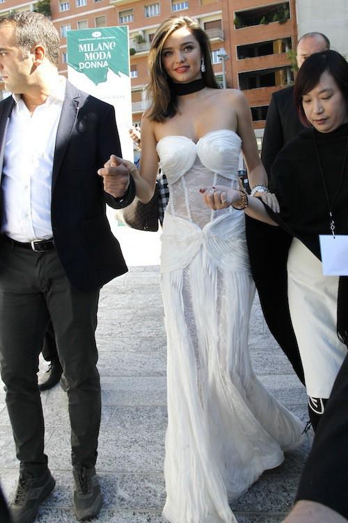 Photos : Miranda Kerr, un ange à l'honneur de la Fashion Week de Milan !