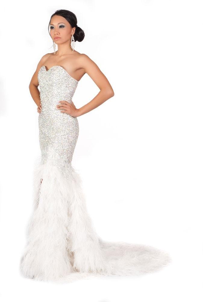 Miss Guam en robe de soirée