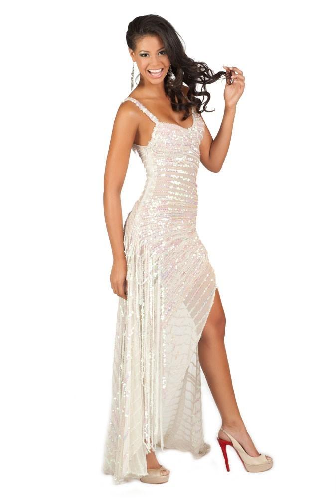 Miss Haïti en robe de soirée